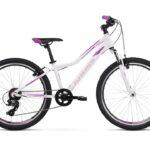 """Kross Lea jr 1.0 juniorpyörä 24""""on suosittu tyttöjen polkupyöräpyörä"""